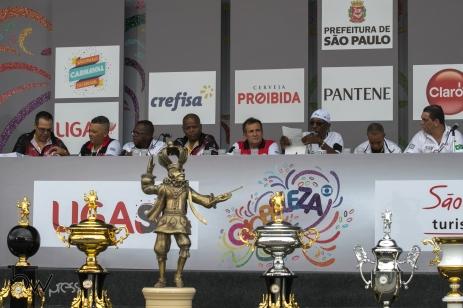 Movimentação no Sambódromo do Anhembi, na zona norte de São Paulo (SP), na tarde desta terça feira (13), durante a apuração do grupo especial do carnaval 2018.