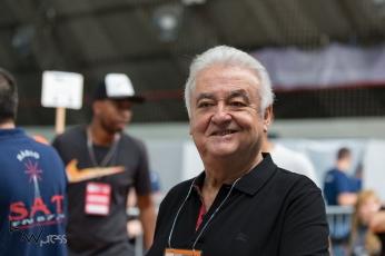 O empresário Paulo Garcia, candidato à presidência do Corinthians, acompanha a votação, na sede do clube, na zona leste de São Paulo (SP), neste sábado (03).