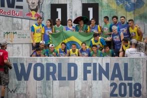 Equipes vencedoras da terceira edição do Neymar Jr's Five, torneio de futebol do Instituto Projeto Neymar Jr, na Praia Grande, litoral de São Paulo (SP), neste sábado (21). Em dois dias de evento, 59 países disputaram o título do campeonato que nesta edição teve uma categoria exclusiva às mulheres.