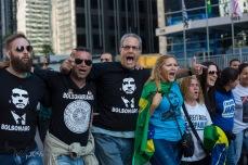 Simpatizantes do candidato a Presidente da República Jair Bolsonaro (PSL) fazem uma manifestação na Avenida Paulista, em São Paulo (SP), neste domingo (09). © BW PRESS COPYING OR REPRODUCTION PROHIBITED. AVISO: Imagens protegidas pela lei do direito autoral 9.610/98. É proibido o uso ou cópia sem permissão do autor. Sujeito às penalidades legais. #governo #bolsonaro #psl #facada #atentado #boneco #eleitor #voto #eleição #presidente #candidato #sabatina #arfocsp #folhapress #agenciaestado #agenciaoglobo #globo #istoé #epa #reuters #zumapress #nur #dpa #afp #ap