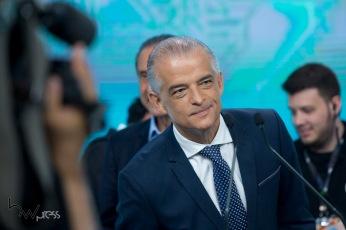 Márcio França (PSB), participa do debate das eleições 2018 promovido pela Record TV, na sede da emissora, na zona oeste de São Paulo, neste sábado (29).