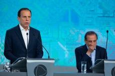 João Doria (PSDB) e Paulo Skaf (MDB), participam do debate das eleições 2018 promovido pela Record TV, na sede da emissora, na zona oeste de São Paulo, neste sábado (29).