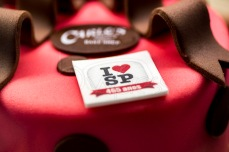 A confeitaria Carlo's Baker, comandada por Buddy Valastro, o Cake Boss, distribui nesta sexta feira (25), 465 pedaços de bolo em comemoração ao aniversário de São Paulo. O prefeito Bruno Covas cortou o primeiro pedaço do bolo, na loja da Rua Bela Cintra, zona sul da cidade. © BW PRESS COPYING OR REPRODUCTION PROHIBITED. AVISO: Imagens protegidas pela lei do direito autoral 9.610/98. É proibido o uso ou cópia sem permissão do autor. Sujeito às penalidades legais #agenciaoglobo #jornaldobrasil #afp #folhapress #agenciaestado #uol #g1 #terra #yahoo #valor #dci #reuters #getty #zuma #epa #dpa