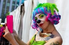 """23ª edição da Parada do Orgulho LGBT de São Paulo acontece neste domingo (23), na Avenida Paulista, em São Paulo (SP). O tema desta edição é """"50 anos de Stonewall"""". A concentração do evento acontece em frente ao Museu de Arte de São Paulo (Masp). Paulo Lopes @BWPressFoto É proibido o uso ou cópia sem permissão do autor. #lgbt #parada #gay #lésbica #transexual #cidadania #direitos #paulista #afpphoto #epa #efe #reuters #getty #zuma #dpa #saopaulo #homofobia #estupro #apoglbt #dragqueen #drag #orgulho #lgbtfobia #bandeira #arcoiris #uber #tchaka #respeito #sexualidade #amor #violencia #casal #amstel #spturis"""