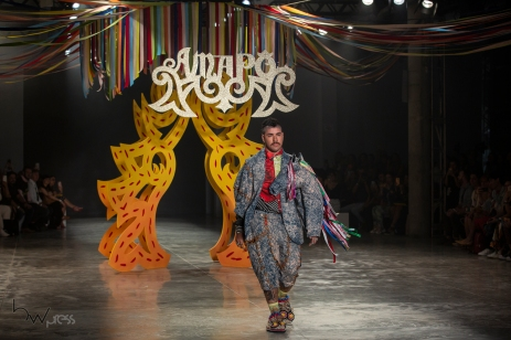 Desfile da grife Amapô, durante a edição N48 do São Paulo Fashion Week (SPFW), no Pavilhão das Culturas Brasileiras, no Parque do Ibirapuera, nesta quinta (17). PAULO LOPES @BWPressFoto COPYING OR REPRODUCTION PROHIBITED. É proibido o uso ou cópia sem permissão do autor. #agenciaoglobo #agenciaestado #istoé #afp #afpphoto #veja #vejasp #estadão #folhapress #getty #zuma #shutterstock #dpa #bwpress #europapress #anpfoto #arfocsp #criação #estilista #conceito #desfile #designer #fashion #fashionweek #picoftheday #moda #modelo #passarela #beauty #spfw #topmodel #runway #tecido #catwalk #n48 #mktmix #beleza #verão