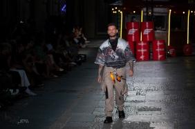 Desfile da grife Ellus, na abertura da edição N48, do São Paulo Fashion Week (SPFW), no Farol Santander, no centro de São Paulo (SP), neste domingo. PAULO LOPES @BWPressFoto COPYING OR REPRODUCTION PROHIBITED. É proibido o uso ou cópia sem permissão do autor. #agenciaoglobo #agenciaestado #istoé #afp #afpphoto #veja #vejasp #estadão #folhapress #getty #zuma #shutterstock #dpa #bwpress #europapress #anpfoto #arfocsp #criação #estilista #conceito #desfile #designer #fashion #fashionweek #picoftheday #moda #modelo #passarela #beauty #spfw #topmodel #runway #tecido #catwalk #n48 #mktmix #beleza #verão