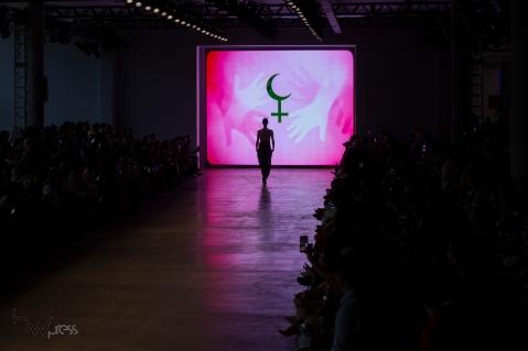Desfile da grife João Pimenta, durante a edição N48 do São Paulo Fashion Week (SPFW), no Pavilhão das Culturas Brasileiras, no Parque do Ibirapuera, nesta quinta (17). PAULO LOPES @BWPressFoto COPYING OR REPRODUCTION PROHIBITED. É proibido o uso ou cópia sem permissão do autor. #agenciaoglobo #agenciaestado #istoé #afp #afpphoto #veja #vejasp #estadão #folhapress #getty #zuma #shutterstock #dpa #bwpress #europapress #anpfoto #arfocsp #criação #estilista #conceito #desfile #designer #fashion #fashionweek #picoftheday #moda #modelo #passarela #beauty #spfw #topmodel #runway #tecido #catwalk #n48 #mktmix #beleza #verão