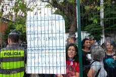 Integrantes de movimentos sociais protestam durante evento de inauguração da Casa da Mulher Brasileira, no bairro do Cambuci, região central de São Paulo (SP), nesta segunda feira (11). O local funcionará 24 horas por dia, prestando atendimento a mulheres vítimas de violência. PAULO LOPES @BWPressFoto COPYING OR REPRODUCTION PROHIBITED. É proibido o uso ou cópia sem permissão do autor. #agenciaoglobo #agenciaestado #istoé #afp #afpphoto #veja #vejasp #estadão #folhapress #getty #zuma #shutterstock #dpa #bwpress #europapress #anpfoto #arfocsp #mulher #damares #doria #macris #violencia #atendimento #policia #crime #social