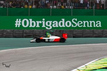 O piloto Bruno Senna dirige a McLaren MP4/4 antes do Grande Prêmio Brasil de Fórmula 1, no Autódromo de Interlagos, zona sul de São Paulo (SP), neste domingo (17). PAULO LOPES @BWPressFoto COPYING OR REPRODUCTION PROHIBITED. É proibido o uso ou cópia sem permissão do autor. #agenciaoglobo #agenciaestado #istoé #afp #afpphoto #veja #vejasp #estadão #folhapress #getty #zuma #shutterstock #dpa #bwpress #europapress #anpfoto #arfocsp #hexa #hamilton #petronas #mercedes #lewis #campeão #champion #formula1 #gpbrasilF1 #obrigadosenna